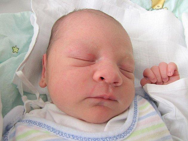 Nicolas Nguyen, 20. dubna 2011, Havířov, váha: 3,50 kg, míra: 49 cm