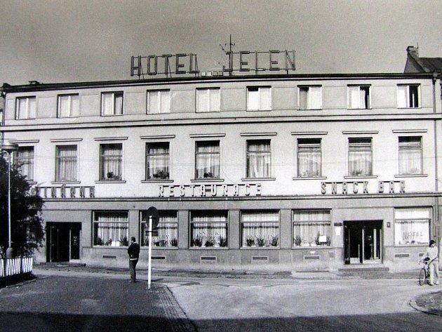 Hotel Jelen na Fryštátském náměstí v Karviné.