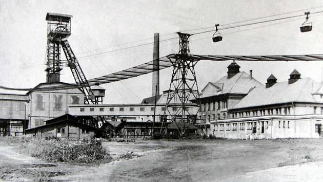 Minulost. Dobový snímek zachycuje Důl František koncem čtyřicátých let minulého století.