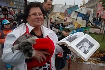 Bohumínští vytvořili na náměstí rekord v počtu lidí s knihou v ruce