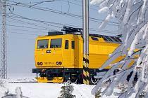 Žlutá lokomotiva dopravce RegioJet