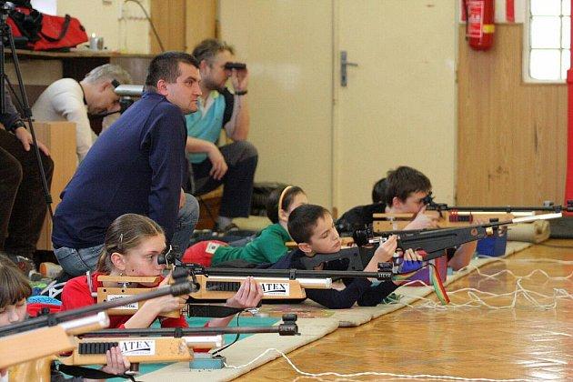 Sportovní střelba je na Karvinsku populární.