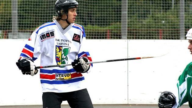 Karvinští hráči na úvod hokejbalového jara vyhráli i prohráli.