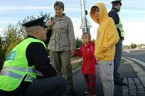 První školní den dohlédli na bezpečnou cestu dětí policisté