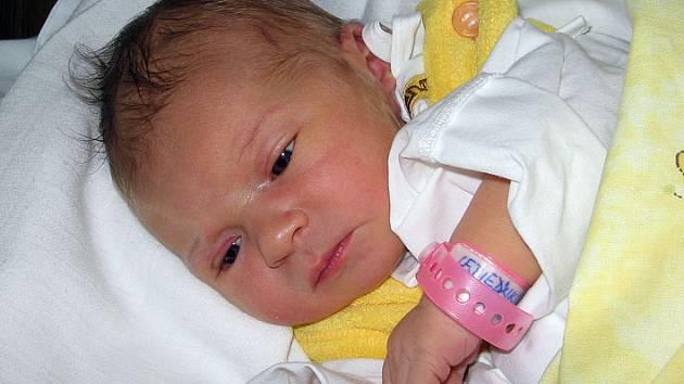 Malá Verunka se narodila 31. prosince paní Petře Lebiedzikové z Petrovic. Porodní váha miminka byla 3930 g míra 52 cm.