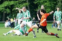 Karvinští fotbalisté vyhráli na závěr soutěže v Dolním Benešově, který během sezony jako jediný dvakrát porazili.