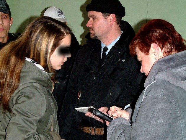 Kontroly školáků provádějí strážníci i pracovnice odboru sociálně–právní ochrany.