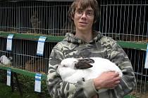 Tomáš Pašek se chovu a vystavování králíků věnuje již přes deset let
