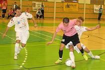 Sáloví fotbalisté rozjeli nedávno nejvyšší soutěž. Na čele tabulky je Stonava.
