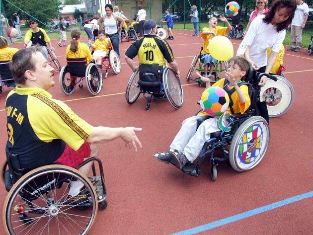 V pátek 1. června se budou bavit hendikepované děti na druhé havířovské Paralympiádě.