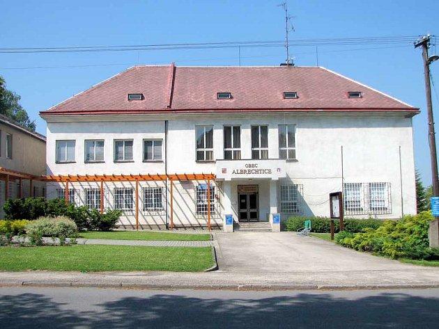 Současnost. Po adaptaci je zde sídlo Obecního úřadu Albrechtice.
