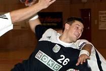 Viktor Hastík, bývalý hráč Frýdku, pomohl Baníku k vysoké výhře 39:26.