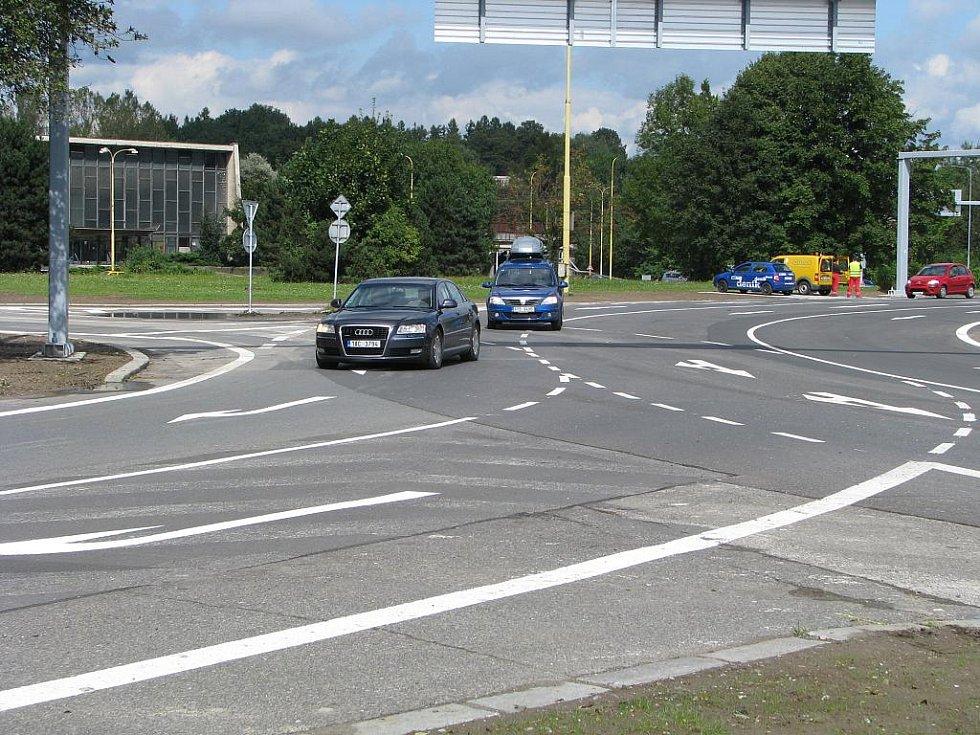Mnoho řidičů má problém se zařazením do správného jízdního pruhu
