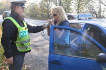 Policie kontrolovala autoškoly