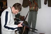 Výstava vojenských předmětů, které se dochovaly z dob osvobození v roce 1945