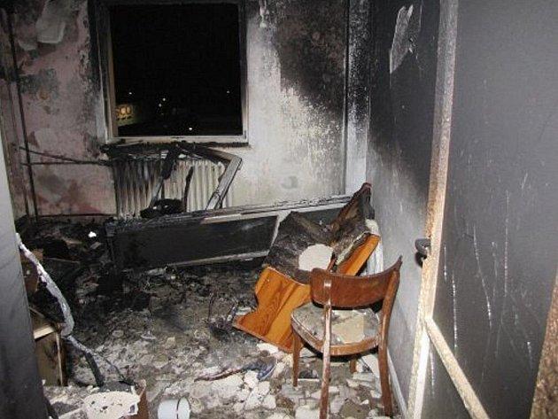 V Karviné-Ráji hořela v noci na neděli garsonka, ve které byly dvě malé děti. Škoda je asi 300 tisíc korun, nikdo nebyl zraněn