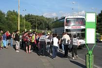 Pro cestující přijely náhradní autobusy
