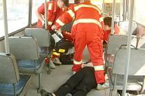 Oživovaní pacientky v autobuse