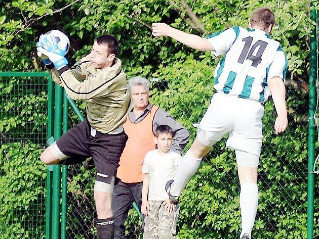 Břetislav Gradek - brankář fotbalového Těšína, byl velkou oporou svého týmu v posledních dvou zápasech krajského přeboru.
