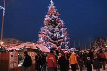 Vánoční městečko v centru Havířova láká tradičně svým atraktivním programem.