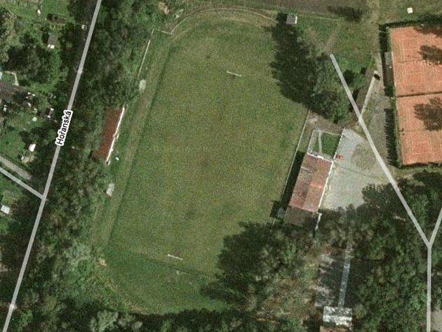 Fotbalové hřiště v Horní Suché