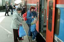 Cestování vlakem. Ilustrační snímek