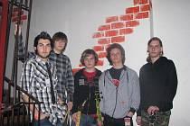 Pětičlenná hudební skupina Only for life z Českého Těšína vystoupila na soutěži amaterských kapel Karvinský Woodstock.