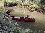 Dobrovolníci čistili o víkendu koryto řeky Stonávky