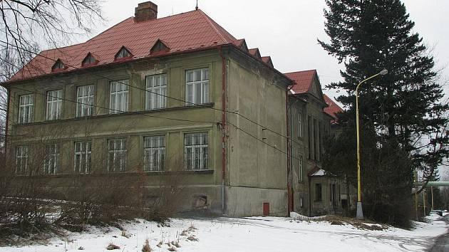 Bývalá škola v Suché