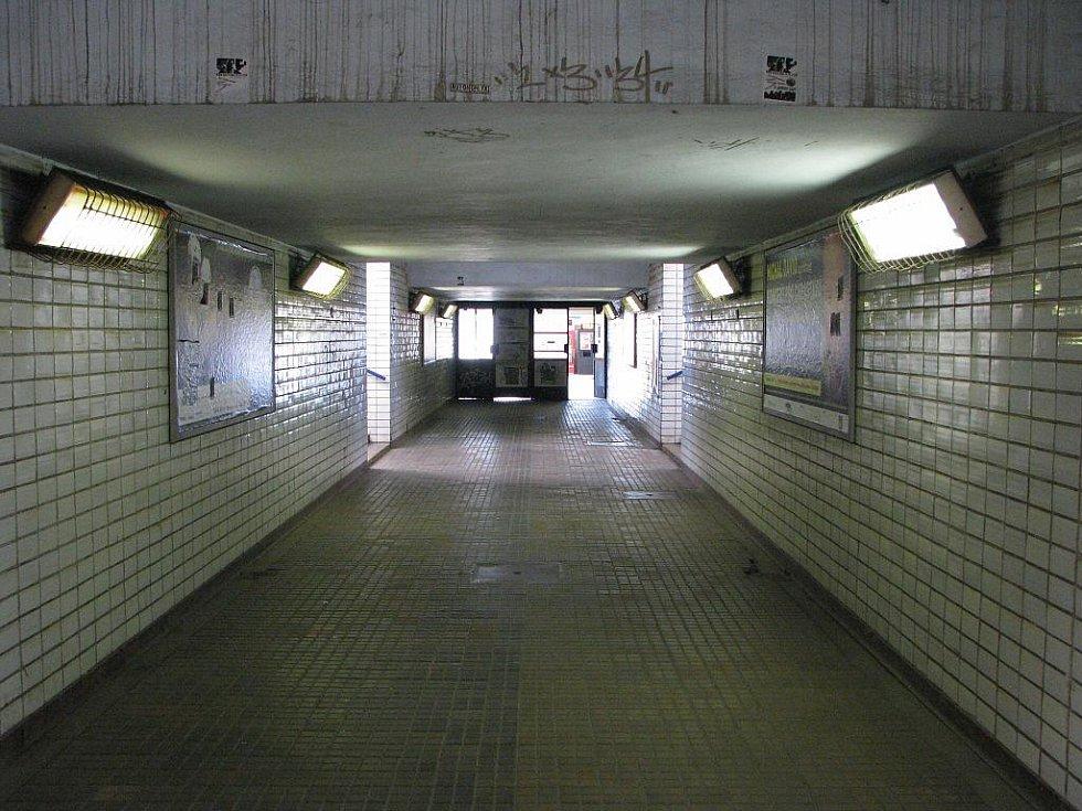V prostoru před havířovským vlakovým nádražím má vzniknout nový dopravní terminál. Plánuje se rovněž prodloužení podchodu až na Šumbark.
