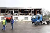 Rekonstrukce budovy u fotbalového stadionu v Horní Suché