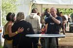 Na karvinském parku Boženy Němcové začal ve čtvrtek odpoledne 5.ročník muiitžánrového festivalu Dokořán 2009. Potrvá do soboty.