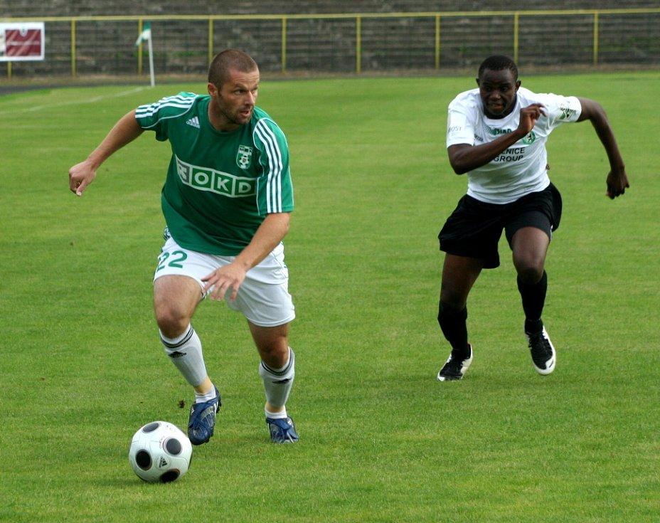 David Sourada (vlevo) uniká Oboyovi, což už je samo o sobě zaznamenáníhodné.