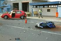 Nehoda automobilu a motocyklu v Šenově