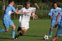 Patrik Miko (v bílém) dal proti Frýdlantu gól, který neplatil. Takové byly ještě čtyři...