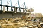 Rekonstrukce karvinské tribuny.