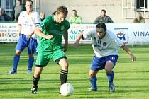Albrechtice nevezou z Krnova nic. David Dorozlo (na snímku vpravo) odehrál zápas po střevní chřipce.