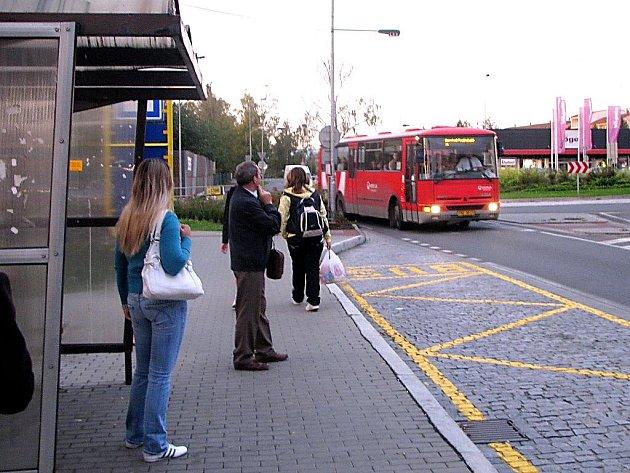 Moderní zastávky autobusů by měly být v Českém Těšíně všechny bezbariérové.