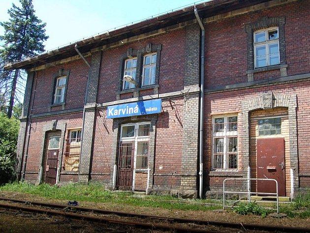 Z budovy bývalého nádraží v Karviné-Novém Městě by se měla stát ubytovna.