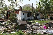 Obyvatelé kolonií tzv. finských domků v Orlové-Kopaninách si stěžují na nepořádek, který tam způsobují ti, kdo rozebírají vystěhované domky