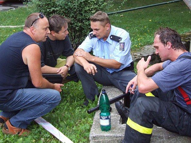 Policista Tomáš Steklý krátce po explozi benzinu