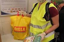 Dobrovolníci Adry Havířov pomáhají seniorům
