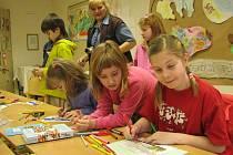 Děti v Asterixu kreslily vláček přátelství.