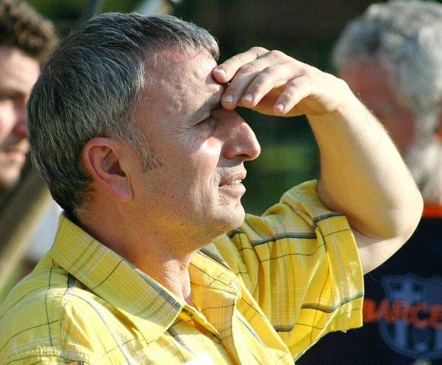Bývalý trenér Bohumína Leonidas Pavlidis vyhlíží své budoucí angažmá.