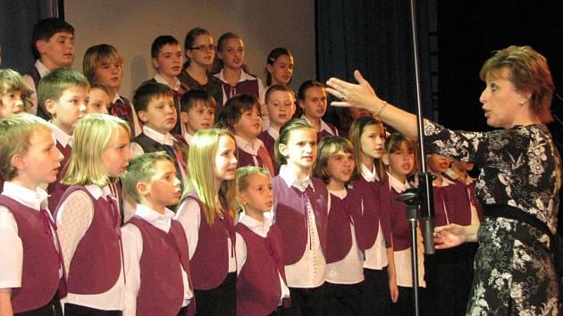 Mezi oceněnými talenty byl i pěvecký sbor Hlásek, který působí při ZŠ Žákovská.