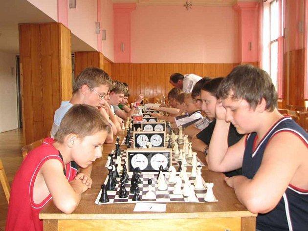 Martin Michálek (vpravo dole) ze Základní školy Kpt. Jasioka se stal vítězem turnaje.