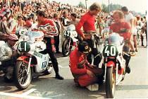 Několikanásobný šampión z 80. let, Maďar János Drápal (s číslem 40).
