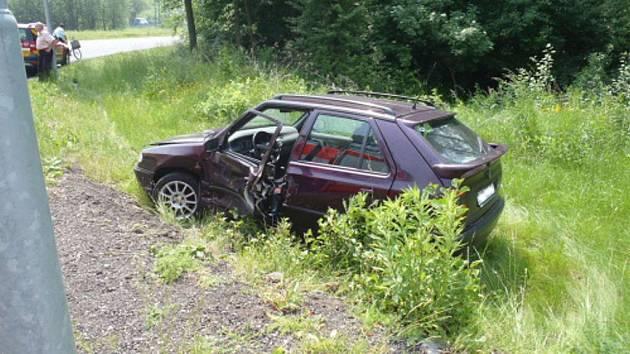 Nehoda osobních vozů na Orlovské ulici