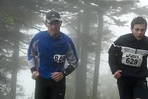 Účastníci Běhu na Lysou horu.
