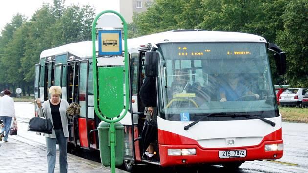 Řidiči autobusů se připojí ke stávce